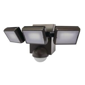 1000 Lumen Bronze LED Battery Operated Motion Activated Dusk-to-Dawn Flood Light