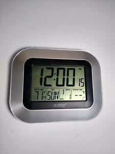 La Crosse Technology Atomic Digital Clock Indoor Temperature Time Date WS-8115U