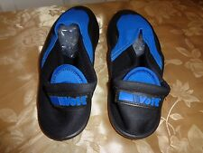 VTG VOIT VOLLEYBALL WATER SHOES USA MADE SZ 9 PRISTINE