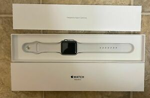 NIB Apple Watch Series 3 GPS 42mm Silver Aluminum Case White Sport Band