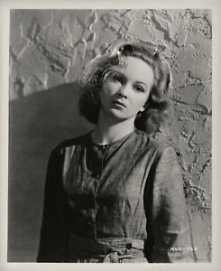 Joan Greenwood ~ ORIGINAL 1947 portrait ~ The White Unicorn (Bad Sister)