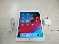 Apple iPad Air 2 64GB, Wi-Fi, 9.7in - Silver (CA)