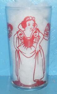 VINTAGE 1938 Walt Disney Ent Snow White and Seven Dwarfs Glass 4 5/8 inches tall