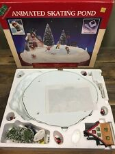 1995 LEMAX ANIMATED CHRISTMAS VILLAGE ICE SKATING POND COMPLETE IN BOX