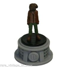 RUE Hunger Games WizK!ds Gravity Feed District 11 Tribute Female Figurine NECA