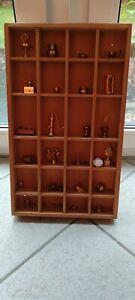 Setzkasten Holz mit Messingminiaturen 50 x 30 cm Kasten ist komplett gefüllt