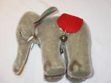 Hübscher Elefant von Steiff Zirkuselefant mit Glöckchen