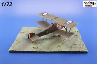 Redog 1/72 -   WWI airfield base - grass field display base   /d21