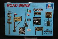 XX017 ITALERI 1/35 maquette 403 Road Signs diorama panneaux signalisation 1995