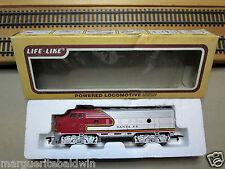 "Life-Like #8689 HO EMD F-7A Powered Pass. Locomotive ""Santa Fe War Bonnet"" RTR"