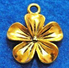 50Pcs. WHOLESALE Tibetan Antique Gold Large FLOWER Charms Pendants Drops Q0104A