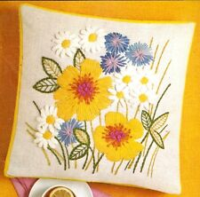 """Vintage Erica Wilson """"Summer Blossoms Pillow"""" Crewel Embroidery Kit"""
