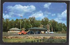 CANADA - Algonquin Park Gate, HUNTSVILLE, Ontario. Cars. p/u 1954.