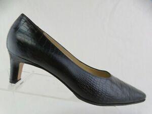SALVATORE FERRAGAMO Croc-Embossed Black Sz 8 B Women Kitten Heels