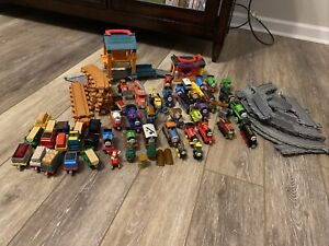 Thomas The Tank Engine Train Set Wooden Tracks Engines HUGE LOT 76 Pieces