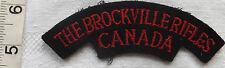 An Original WWII The Brockville Rifles Canada Cloth Shoulder Title Badge (112)