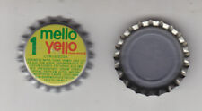 MELLO YELLOW BOTTLE CAPS..100 PIECES  PLASTIC LINED UNUSED  NEVER CRIMPED
