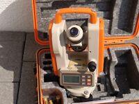 Leica Sokkia T100 Theodolit Nivelliergerät Tachymeter Baumessgerät inkl. Stativ