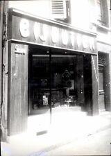 snapshot devanture juillet 1967 bijoutier Romanet morbier jura bijou huma
