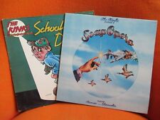 LOT 2 VINYLS 33T – THE KINKS PRESENT A SOAP OPERA & SCHOOLBOYS IN DISGRACE  1975