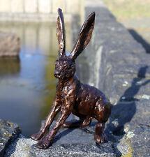Bronzefigur eines Hasen