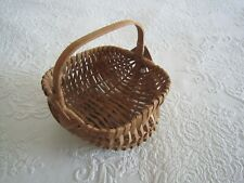 Signed Small Vintage Hand Woven SPLINT CHEEK BUTTOCK BASKET w/Handle  '90