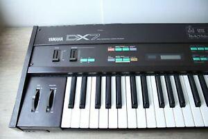 YAMAHA DX-7 FM Keyboard Synthesizer 1980s // Wartungsbedürftig