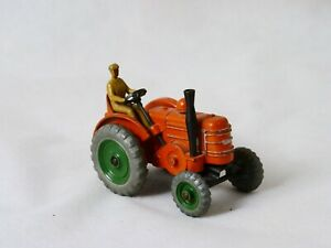 Dinky Toys GB n° 301 Field Marshall Tractor tracteur