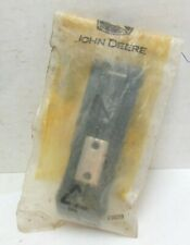 NOS JOHN DEERE 8000 SERIES TRACTOR GRILLE SCREEN LATCH RE55737 FAST SHIPPING