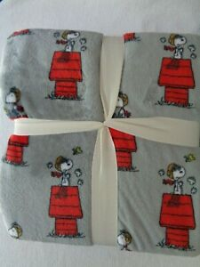 PEANUTS TWIN or FULL/QUEEN Plush Blanket Snoopy & Woodstock RED BARON