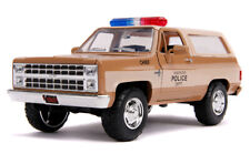 JADA 1/24 CHIEF HOPPER'S CHEVY K5 BLAZER & HAWKINS POLICE BADGE STRANGER THINGS