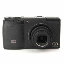 Ricoh GR Digital II mit 2 Objektivvorsätzen