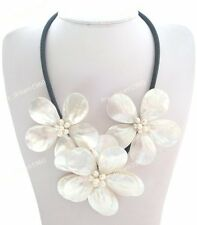 Jewellery Mother of Pearl/MOP Shell Pearl 3 Flower Necklace