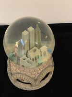 Rare Macy's New York City Twin Towers Skyline Musical SnowGlobe Plays NY NY Tune