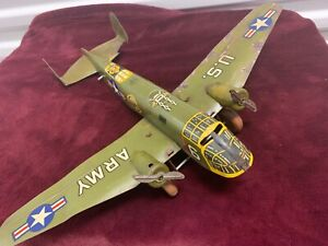 VINTAGE MARX 18 in. ARMY BOMBER B25 TIN AIRPLANE