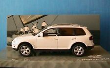 VW TOUAREG V10 TDI WEISS NORTH SAILS MINICHAMPS 1/43