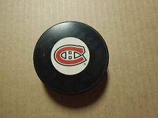MONTREAL CANADIENS NHL LOGO PUCK AUTOGRAPH IN GLASCO BRAND NEW