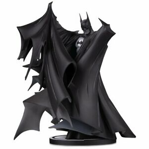 Batman Black and White by Todd McFarlane Version 2 Deluxe Statue BRAND NEW