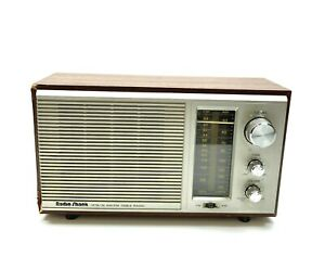 Vintage Radio Shack AM-FM Table Radio MTA-16 Walnut Grained Vinyl Veneer.