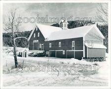 Winter Snow Scene Picturesque Barn Thetford Vermont Press Photo