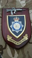 MOD Ministry of Defence Police Wall Plaque + Pewter SA80