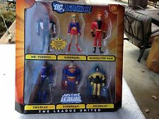 """DC Universe Justice League"""" Mutiny in the ranks"""" 6 pack. NEW IN BOX"""