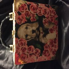 CIGAR BOX  HAND BAG GOLDEN LAB SURROUNDED BY RED ROSES BEADED ACCENTS EXCELLENT