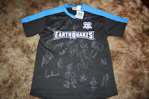 SAN JOSE EARTHQUAKES MLS SIGNED 2011 SOCCER JERSEY