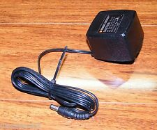 Black & Decker (143028-06) 8.0V 325mA 60Hz 8W Battery Charger Power Supply