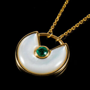 Solid 18K Yellow Gold Round Green Emerald Shell Amulette Pendant Necklace Chain