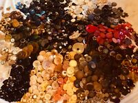 1000's Of BUTTONS ANTIQUE OLD & ViNTAGE LOT Victorian to 1970's 1000's