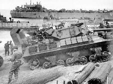 WW2 - Char Sherman américain avec système de débarquement amphibie