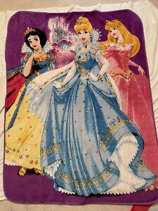 "Disney Princess 48"" * 60"" Throw Blanket Snow White Cinderella Sleeping Beauty"