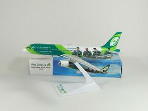 AER LINGUS Rugby Livery Airbus A320 Model 1:200 Scale Premier Planes ULTRA RARE